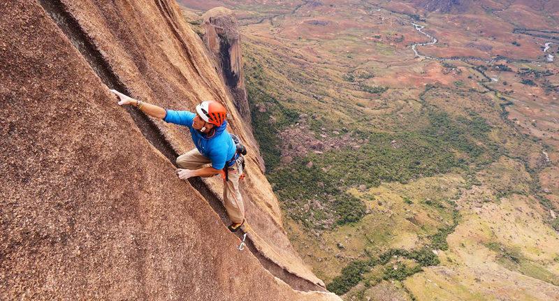 climbing tsaranoro valey madagascar tour operator